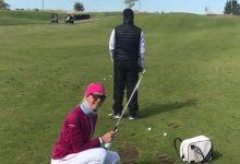VÍDEO: Este caddie se llevó un bolazo de su jefa, jugadora de la LPGA, al intentar hacer un Flop Shot
