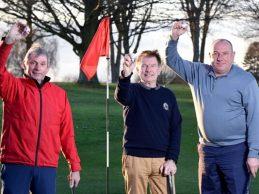 ¡Increíble! 3 jugadores de golf ingleses hacen Hoyo en Uno en la misma bandera y en el mismo día