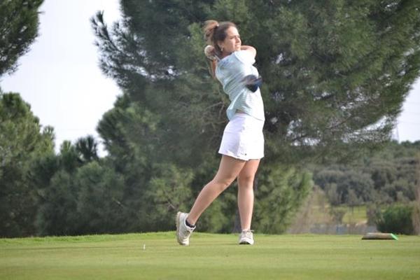 Alejandra Pasarín defiende título en Golf Santander
