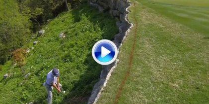 Increíble recuperación de Justin Thomas en Austin. Dejó la bola a 1'5 metros desde el barranco (VÍDEO)