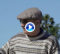 """El bombardero Sadlowski se disfraza de """"abuelo Jamie"""" lanzando bolas de 400 yardas (VÍDEO)"""