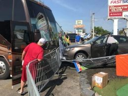 Un coche se estrella contra la caravana de John Daly a las afueras de Augusta National (Inc. VÍDEO)
