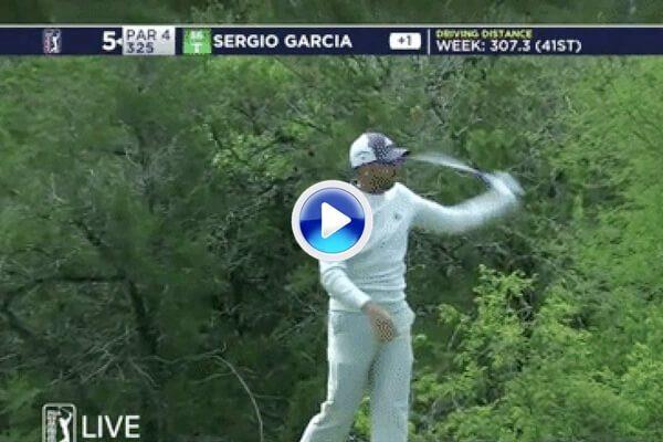 El driver pagó el fallo de Sergio. El español descargó su ira lanzando el palo contra los arbustos (VÍDEO)