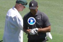 El Golf es duro… Tras el bogey del 11, Tiger visitó el agua en el 12 para sumar su cuarto bogey (VÍDEO)