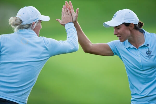 Carlota Ciganda y Melissa Reid. Foto @GolfSixes 2