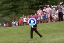 Todo un fenómeno: Tiger se sacó de la chistera un gran Flop Shot y le regaló la bola a una fan (VÍDEO)