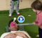 Greg Blewett volvió a hacer de tee humano de uno de sus hijos… ¡y salió de nuevo malparado! (VÍDEO)