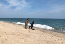 Rickie Fowler le pidió matrimonio a su novia al estilo Hollywood: de rodillas y en una bonita playa