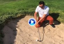 Chuliá pone el listón muy alto: Sacada de bunker de rodillas con un 52° a zurdas y palo invertido (VÍDEO)