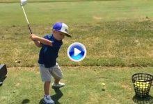 Vea a cámara lenta la destreza de Preston, el niño de 3 años con el mejor swing del mundo (VÍDEO)