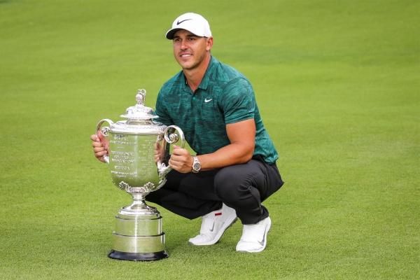 Rahm finaliza T4 en el PGA en el gran espectáculo ofrecido por el campeón Koepka, Tiger y Scott