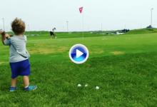 Kelly Schafer, el nuevo niño maravilla, demuestra con solo 2 años su amor por este deporte (VÍDEO)