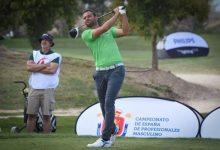 Carlos del Moral saca músculo para liderar el Campeonato de España de Profesionales Masculino