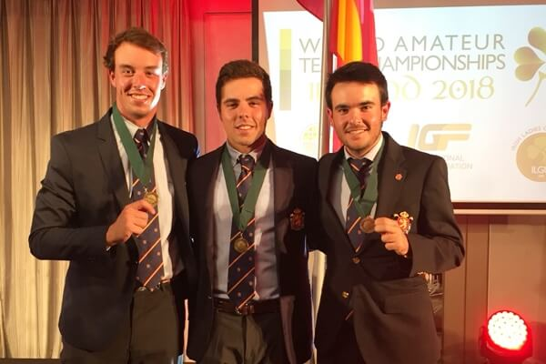 Víctor Pastor, Alex del Rey y Ángel Hidalgo lucen su medalla de bronce conquistada en Irlanda