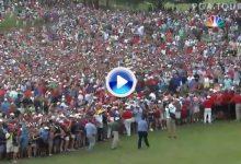 Y la locura se desató en East Lake mientras Tiger se dirigía al 18 camino de su 80 victoria (VÍDEO)