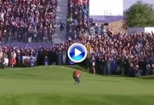 ¡Rory se enchufa junto a Sergio! Puro del británico para empatar un hoyo que tenían perdido (VÍDEO)