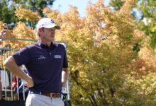 Snedeker se mantiene en lo alto del Safeway Open y camina con paso firme hacia la 10ª en el PGA