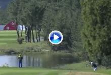 ¡Qué golpe! Thomas puso patas arriba la CJ Cup con este gran approach jugando con el green (VÍDEO)