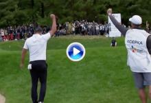 Koepka levantó el asombro de toda Corea con este chip que significó un título en el PGA (VÍDEO)