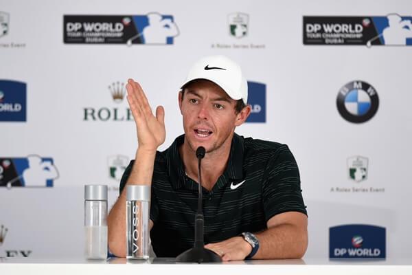 Rory McIlroy durante la rueda de prensa en Dubai. Foto: @GolfWorld1