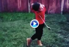 El primer propósito de cara al año 2019: que nuestro swing se parezca al de este chaval (VÍDEO)