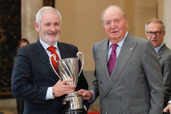 El rey emérito Juan Carlos entregó a Edorta Rahm el premio concedido a su hijo Jon