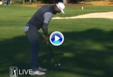 El Golf es duro… Dustin Johnson necesitó de dos putts con la bola a ½ metro de la bandera (VÍDEO)
