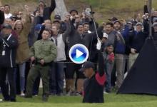 Tiger dio un clínic de cómo sacar la bola del bunker. Gran birdie del americano, el mejor del día (VÍDEO)