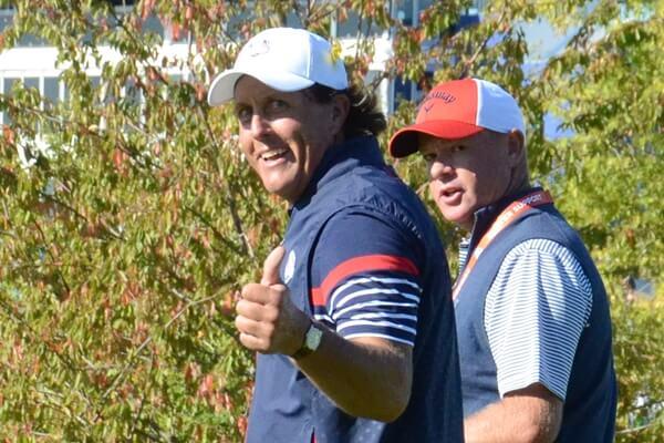 Phil Mickelson saludando durante la pasada Ryder Cup. Foto: OpenGolf.es