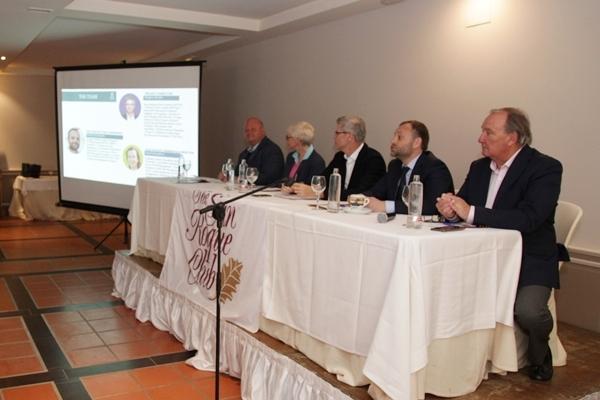 Un momento de la presentación oficial antes los Socios de The San Roque Club
