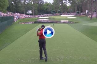 Tiger Woods sentenció el campeonato después de este magnánimo golpe desde el tee del 16