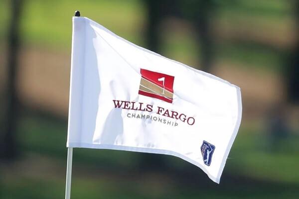 Así son las banderas en el Wells Fargo
