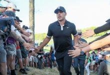 Koepka mantiene la diferencia de golpes en 7 y ya cuenta las horas de retener con éxito el US PGA