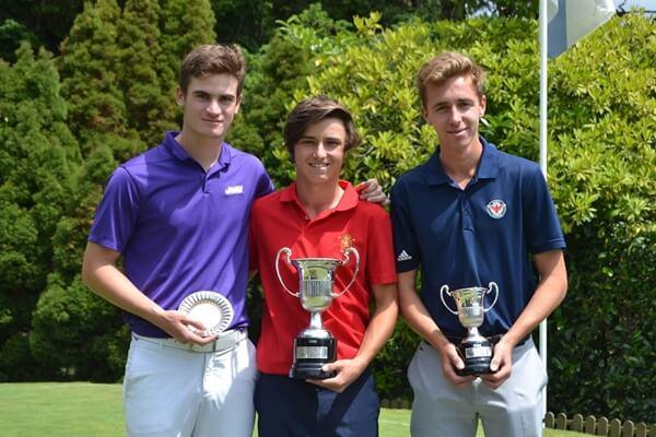 El podio compuesto por Ignacio Montero, Álvaro Mueller-Baumgart y David Puig posa con sus trofeos