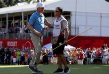 El último en entrar y en irse. Lashley hace buena la ventaja desde el jueves y se estrena en el PGA
