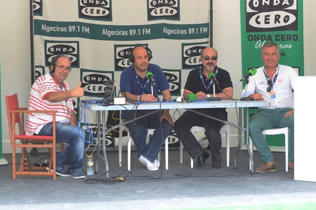 El equipo con su director Eduardo García (dcha.) al frente en el stand del Andalucía Masters