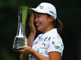 """Carlota sale con un gran 7º lugar en el British Open en el brillante triunfo de la """"Cenicienta"""" Shibuno"""