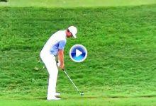 El Golf es duro… Rose necesitó cuatro golpes para llevar desde el rough la bola al green del hoyo 8