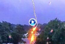 Este fue el momento en el que un rayo caía sobre un árbol durante el Tour Championship ¡Tremendo!