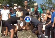 Ormsby encontró la ayuda de unos aficionados para mover una piedra que le impedía el golpe