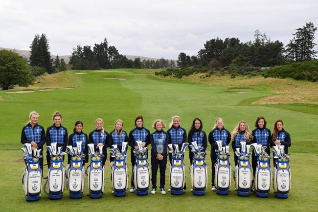 El equipo europeo posa para la foto oficial