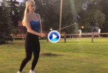 Paige Spiranac, la Kournikova del Golf, mostró sus cualidades golfìsticas haciendo un 'Happy Gilmore'