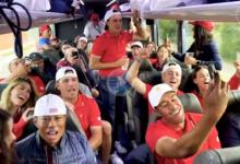 Tiger Woods lo dio todo en el autobús cantando el 'We are the Champions' tras ganar la Presidents