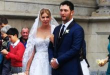 Jon Rahm y Kelley Cahill ya son marido y mujer tras darse el «sí quiero» en la Basílica de Begoña