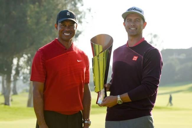 Tiger Woods y Adam Scott. Foto @PGATour