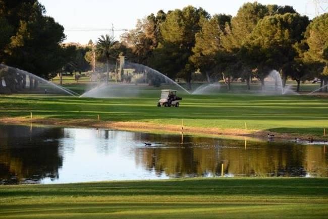 riego campos de golf_jpg