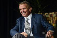 El Salón de la Fama del Golf premia la carrera de Tim Finchem, quien completa la promoción de 2021