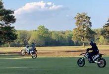 Unos vándalos en moto destrozan Walton Heath, campo emblemático inglés. Todo quedó grabado