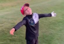 Leo, «The Kid Golfer» de 7 años, volvió a mostrar sus habilidades con este golpazo desde el bunker