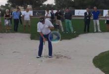 Todo un campeonísimo como Miguel Ángel Jiménez nos enseña a sacar la bola del búnker ¡qué fácil!
